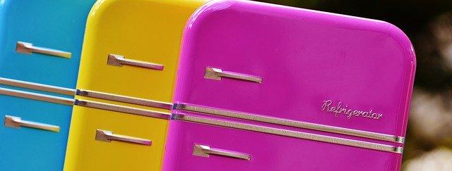barevné chladničky