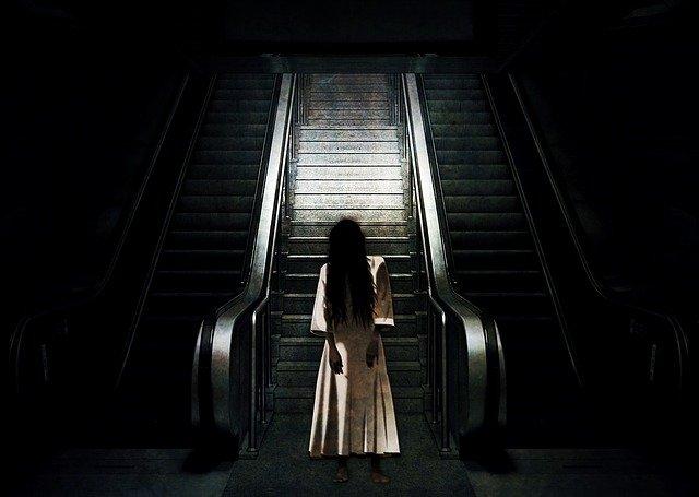 duch v metru