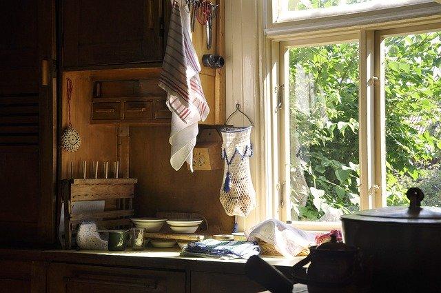 starobilá kuchyně